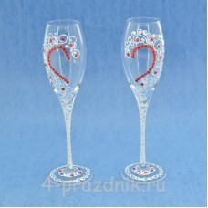 Бокалы декорированные с половинками красных сердец,белого цвета bok191