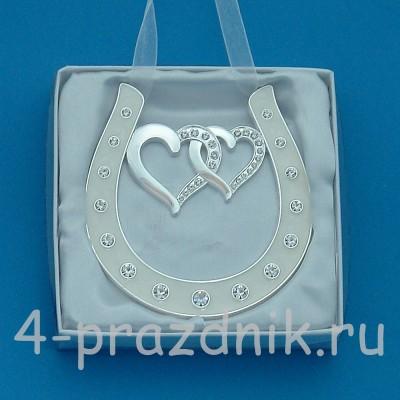 Подкова серебряная с двумя сердцами, подвесная, со стразами HG-01700 оптом