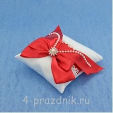 Подушка для колец в красном оформлении podushka028
