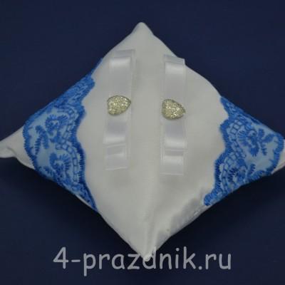 Подушка под кольца,атласная с синим кружевом  podushka050 оптом