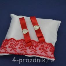 Подушка под кольца,атласная с красным кружевом  podushka053