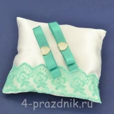 Подушка под кольца,атласная с мятным кружевом  podushka054
