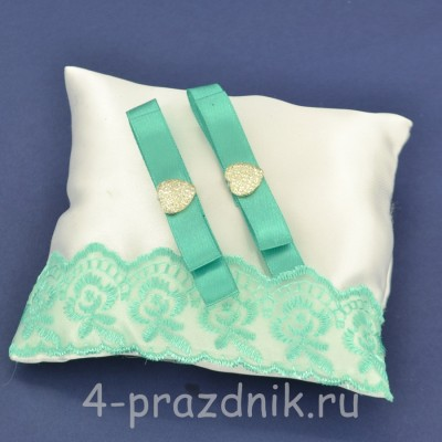Подушка под кольца,атласная с мятным кружевом  podushka054 оптом