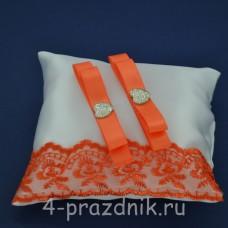 Подушка под кольца,атласная с оранжевым кружевом  podushka056