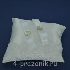 Подушка под кольца,атласная с белым кружевом  podushka057