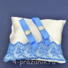 Подушка под кольца,атласная с синим кружевом  podushka059