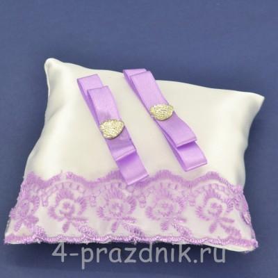 Подушка под кольца,атласная с сиреневым кружевом  podushka060 оптом