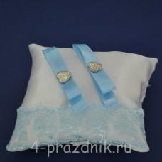Подушка под кольца,атласная с голубым  кружевом  podushka064