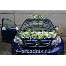 Свадебный набор на авто из белых цветов ukav402