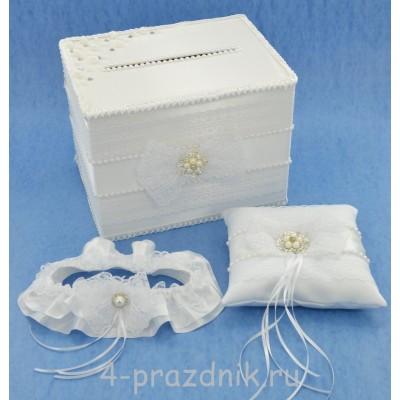 Свадебный набор для стола с подвязкой, букетом и подушкой для колец в белом исполнении svst002 оптом