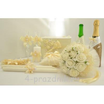 Свадебный набор для стола с подвязкой, букетом и подушкой для колец в  цвете айвори svst003 оптом